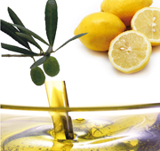 レモンの果実とオリーブオイルの写真
